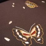 濃墨地縫い蝶々に花びら柄付下げ